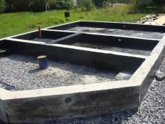 Готовый фундамент на опорной подошве